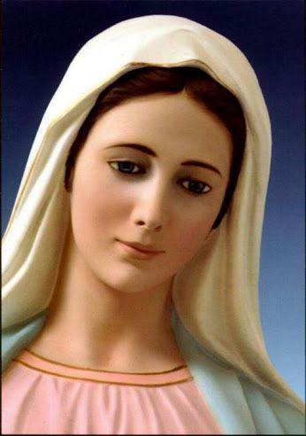 Una de las bellísimas invocaciones de las letanías con la que invocamos a la dulce Virgen María es ''Reina de la Paz'' NO solamente porque la paz social nos va a venir por la intercesión de la Virgen María , según ella misma nos prometió en sus apariciones de Fátima , sino porque la virgen nos da la paz del alma . Ella gozó de una auténtica y profunda paz en su alma , porque siempre estuvo habitada por el amor de Dios , la intimidad del alma de María fue tranquila... LAUDES y VÍSPERAS…