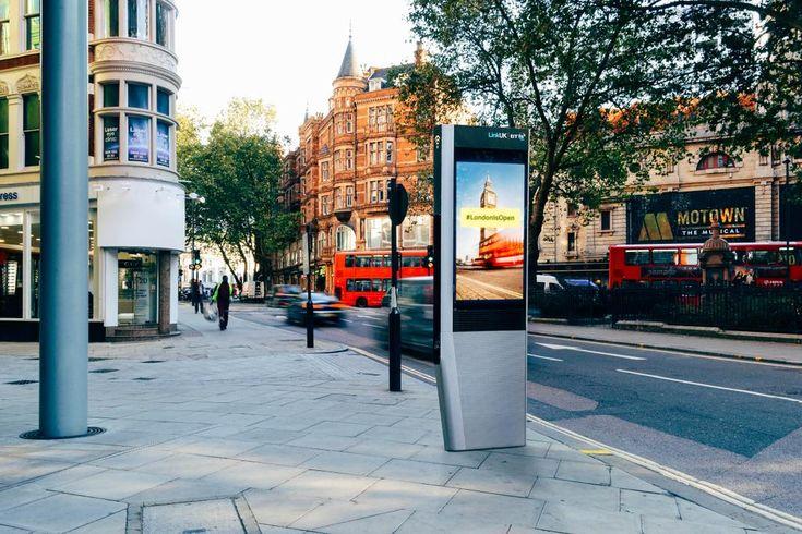 Londra le storiche cabine telefoniche sostituite da chioschi Wi-Fi superveloci