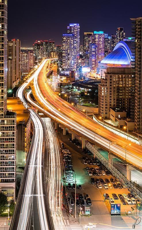 Wonderful Toronto http://www.travelandtransitions.com/destinations/destination-advice/north-america/