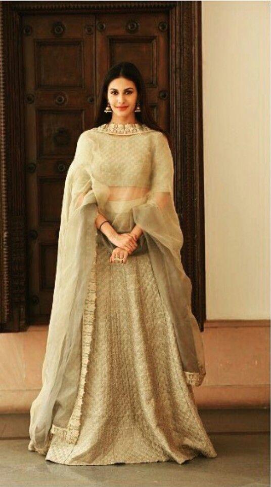 Amyra Dastur fashion lehenga