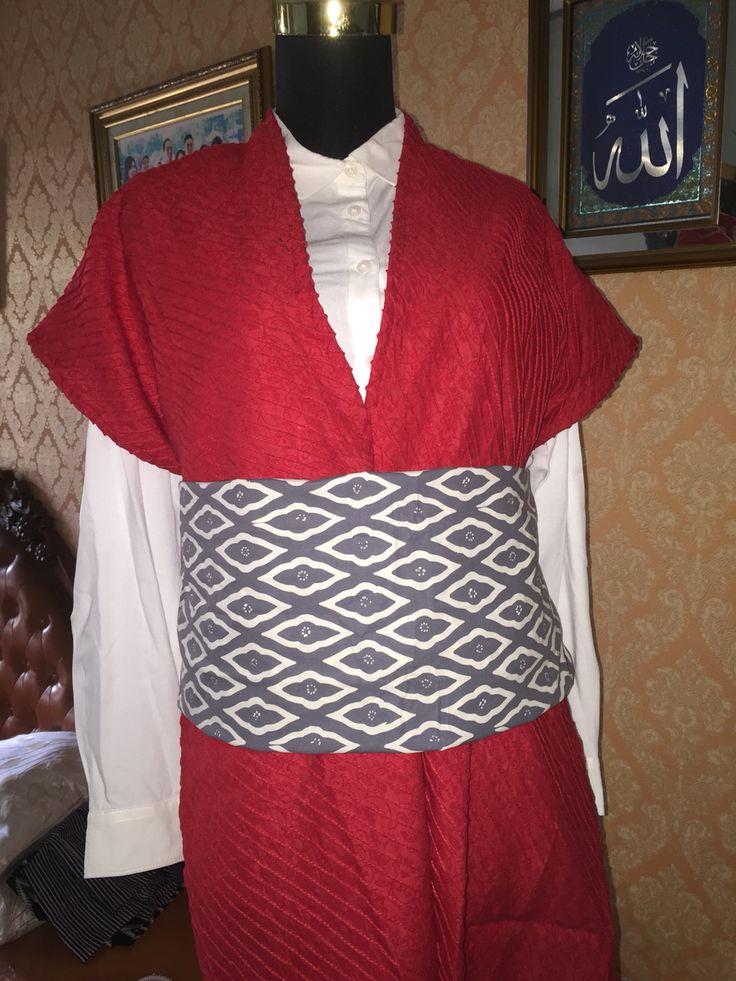 red pleats batik outwear