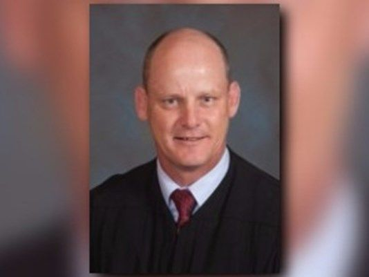 JOHNSON CO., Ark. (KTHV) - An Arkansas circuit court judge was arrested on Friday night in Clarksville after failing to stop at a sobriety checkpoint.