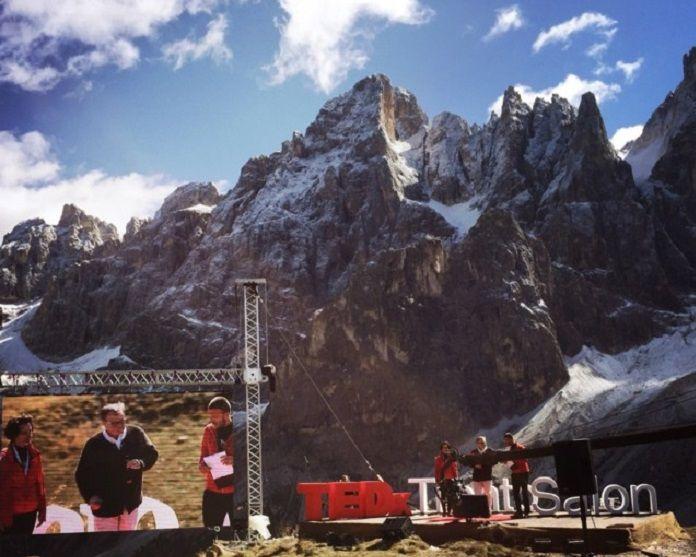 Pale di San Martino - Entusiasmo per l'evento speciale TEDx Trento «Dolomiti Assoluto».Nella magnifica conca della Baita Segantini, in uno straordinario scenario con le Pale…