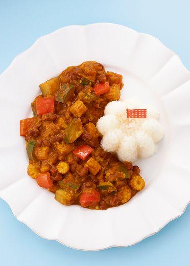 """ベジあずきカレー のレシピ・作り方 │ABCクッキングスタジオのレシピ ... カレーの本場・インドでも人気の"""" 豆カレー""""は、小豆でこんなにおいしくできちゃうんです! 具材を季節の野菜に変えれば、一年中楽しめます。"""