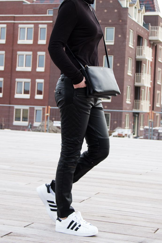 superstar adidas all black