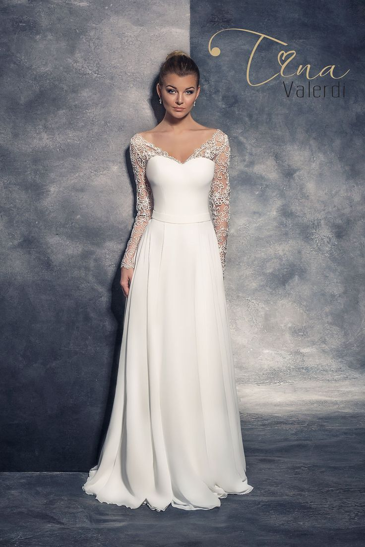 Jednoduché svadobné šaty s čipkovanými rukávmi