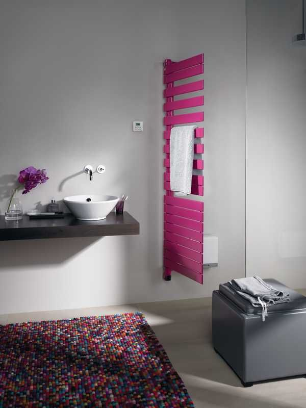 Zehnder Roda Twist Spa Air: a radiator in your bathroom with a rotateble corpus. It is functional and stylish at the same time.