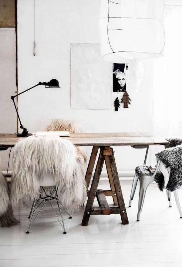 Home Office Rustikaler Tisch-Wolldecke Stuhldesign Lampe-Skandinavisch