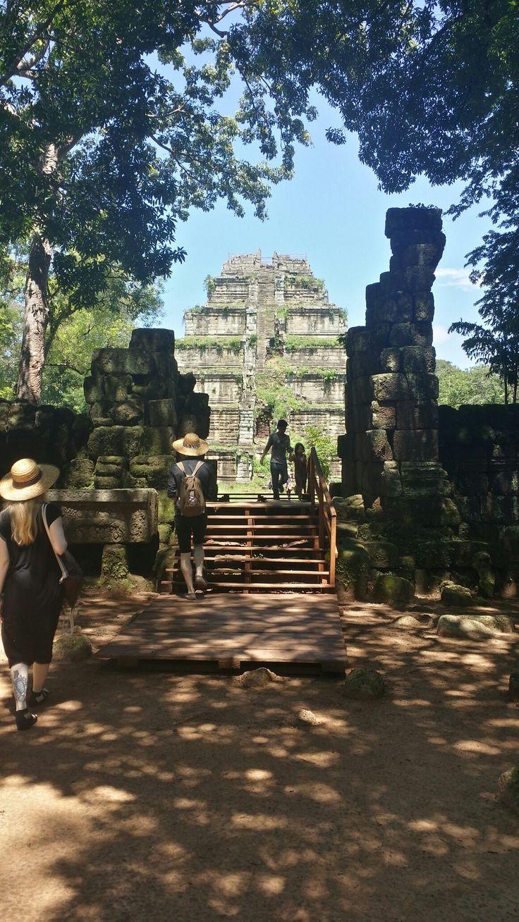 Koh Ker temple Khmerangkordriver.com