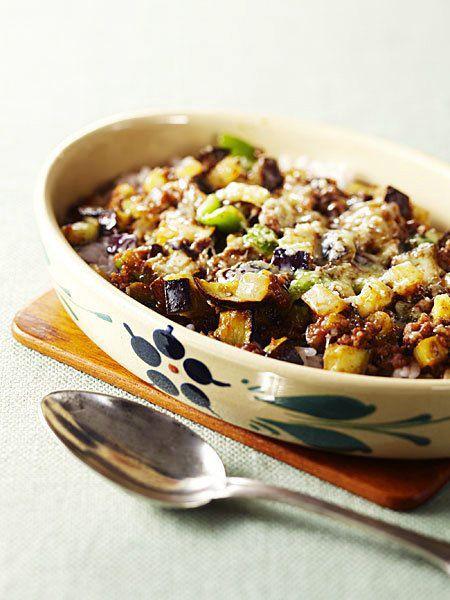 スパイシーなカレーにコンテチーズを加えれば、まろやかでリッチな味わいに 『ELLE a table』はおしゃれで簡単なレシピが満載!