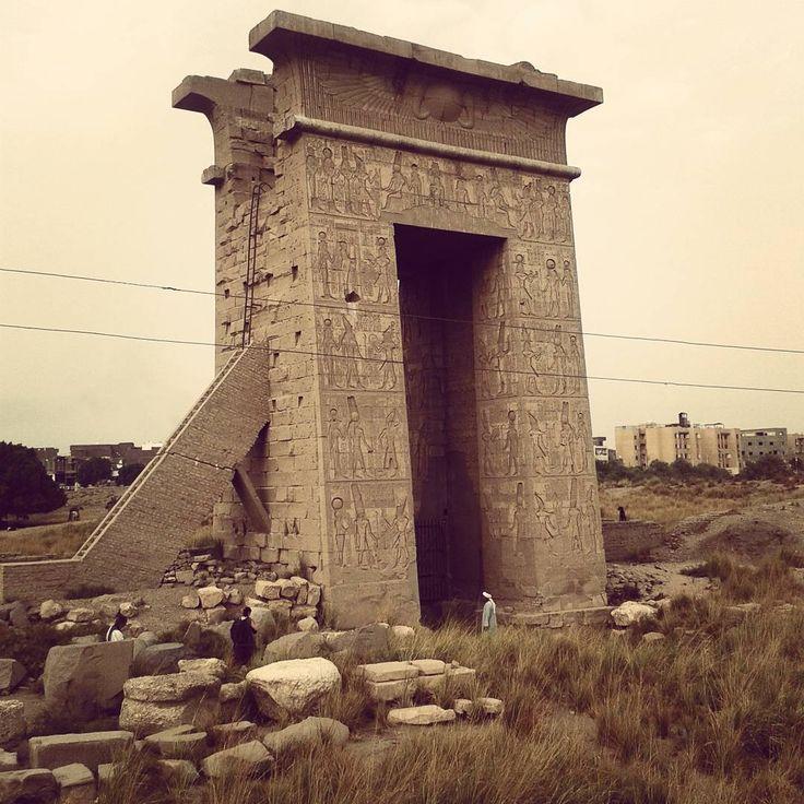 Храм Монту .