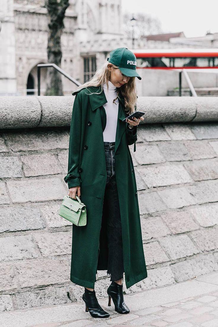 Abrigos 'oversize' que desearás, el poder de unas medias diferentes y la importancia de las prendas con mensaje