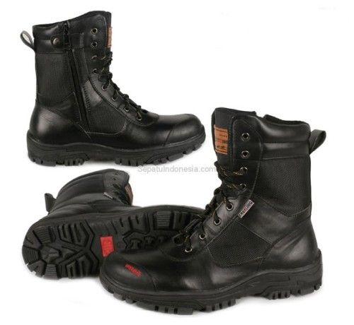 Sepatu boot TRK 16-1 adalah sepatu boot yang nyaman dan kuat...