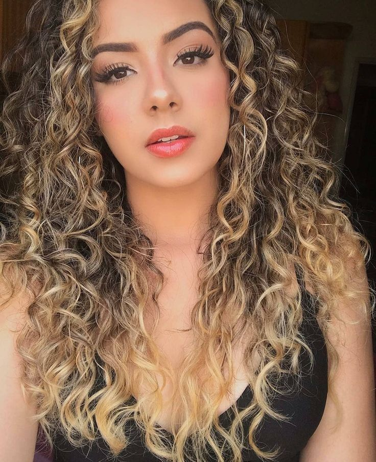 Cachos super definidos: Finalização com dedoliss | Curls for long hair, Blorange hair, Hairdo for long hair