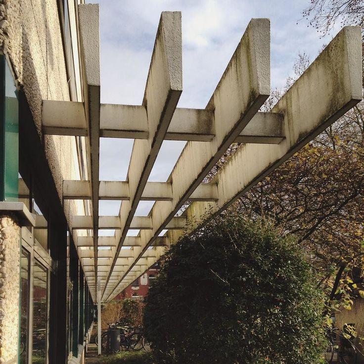 #concrete #detail #brut #brutalism #brutal_architecture #seventies #cologne#köln #uniklinik#fassade #archiporn #archilovers #architektur #architecture #architexture #colognearchitecture by goldsynapse