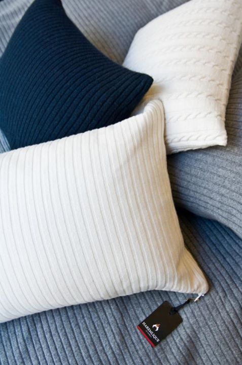 Haremlique's 100-percent cashmere rib-knit throw pillow. Available in different colors