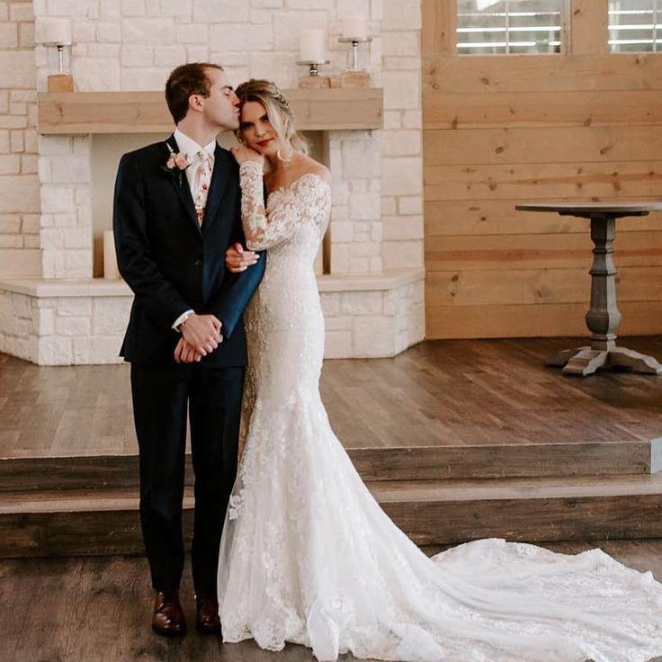 20 Hochzeitsfrisuren mit Zöpfen für einen wunderschönen Look in Ihrem großen Tag, wenn es & # 3 …   – Wedding Shots Wanted