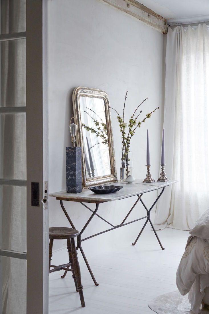 Red-Chair_Hudson_bedroom_Marili-Forastieri.jpg 733×1,100 pixels