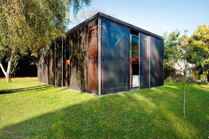 wohnkubus mit textiler h lle einrichten und wohnen. Black Bedroom Furniture Sets. Home Design Ideas
