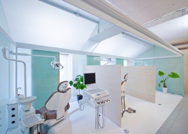 Clinique dentaire à Nakayamate par Tato Architects