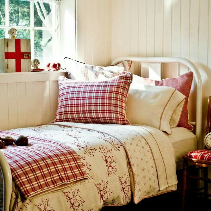 Bedroom Design Red And White Elsas Bedroom Door Bedroom Ideas Design Bedroom Design Ideas Pictures: 488 Best Images About Decorating With Red On Pinterest