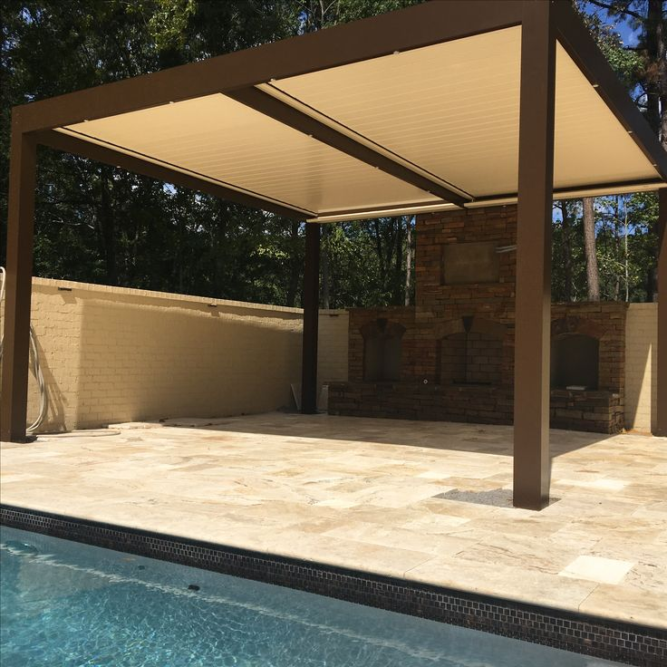 Backyard oasis solisysteme pergola in custom color with for Voilage exterieur pergola