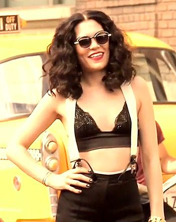 """After being stuck in our heads for weeks, the video to the song of summer, """"Bang Bang,"""" finally debuted. And Jessie J's hair owns the video with three gorgeous styles. Get the easy how-to for Jessie's voluminous curls!"""