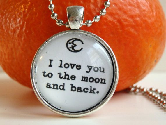 Necklace ''I love you to the moon and back''  by LeFuCycliste