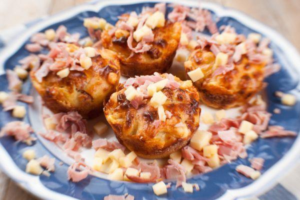 Hrnčekové slané mafiny - Recept pre každého kuchára, množstvo receptov pre pečenie a varenie. Recepty pre chutný život. Slovenské jedlá a medzinárodná kuchyňa