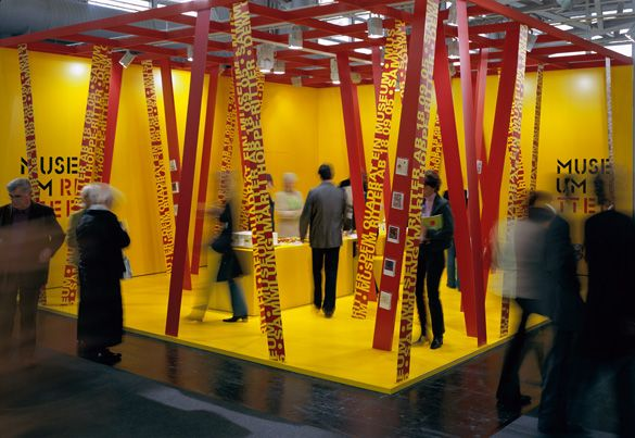 17 best images about exhibit graphics design on pinterest for Design museum frankfurt