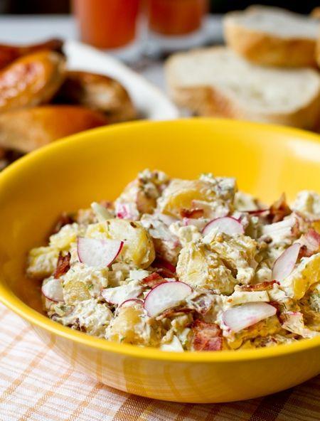 Картофельный салат с редисом и беконом