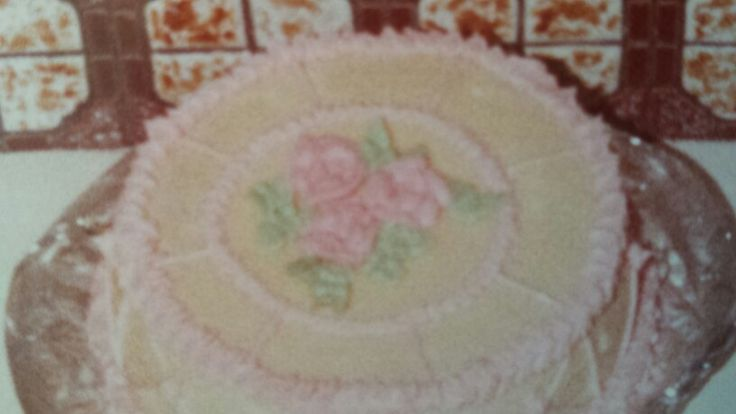 1984 Top view of the same cake...first I'd ever decorated Mother's day
