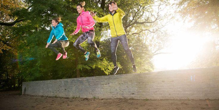 Sporten tijdens je zwangerschap. En daarna blijven sporten als moeder.   Dat is waar outdoor fitness keten Mom in Balance zich sterk voor maakt. Onlangs mocht ik een energieke sport fotoshoot voor Mom in Balance verzorgen in het Vondelpark.   fitness voor aanstaande moeders fitness voor vrouwen #bootcamp #sportfotografie #sportfotograaf