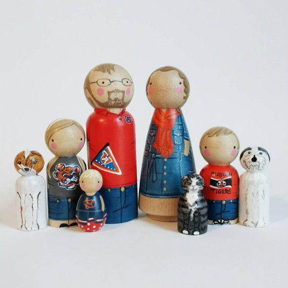 Famille personnalisé grosse cheville de 8 / / personnalisés peg dolls / / moderne maison de poupée / / custom portrait de famille / / wooden toys