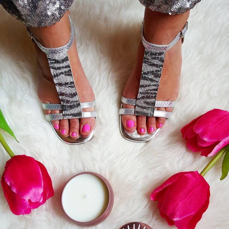 Preciosas sandalias de la Colección Primavera Verano 2016 Via Instagram @Preppynoah