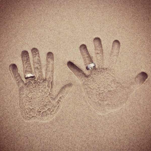 this would be an adorable shot to take at your honeymoon destination if you are at a beach