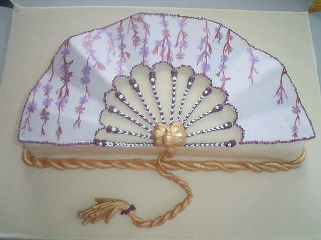 Cake Art Decor Zeitschrift Abo : Olivia s Fan Cake by sweetwise, via Flickr Tortenideen ...