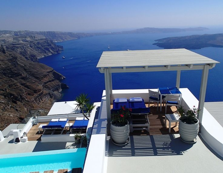 Breathtaking views of the caldera and the Aegean's azure waters...