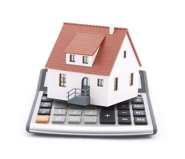 C'est le moment d'en profiter ! Les taux des crédits immobiliers ont atteint des nouveaux records et s'établissent autour de 2.83% sur 15 ans et 3.13% sur 20 ans. Une tendance qui devrait se prolonger http://www.partenaire-europeen.fr/Actualites-Conseils/actualite-de-l-immobilier/La-fiscalite-immobiliere/Les-taux-immobiliers-plus-attractifs-que-jamais-20140520