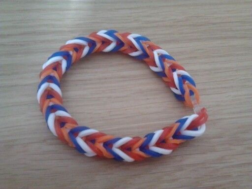 Rood wit blauw oranje loom armbandje
