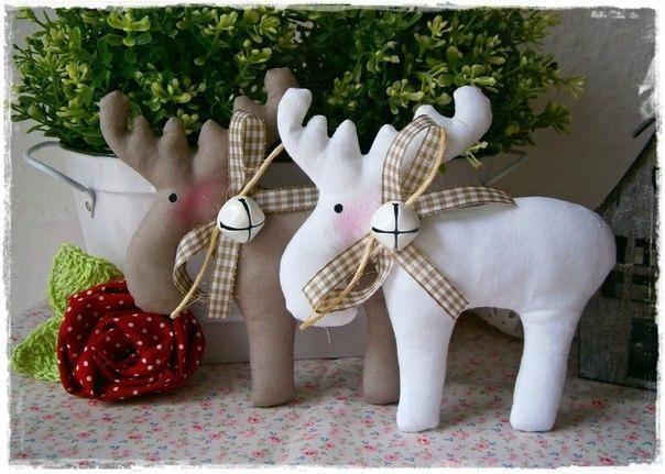 Текстильные игрушки на елку. Новогодние лосики и олени.