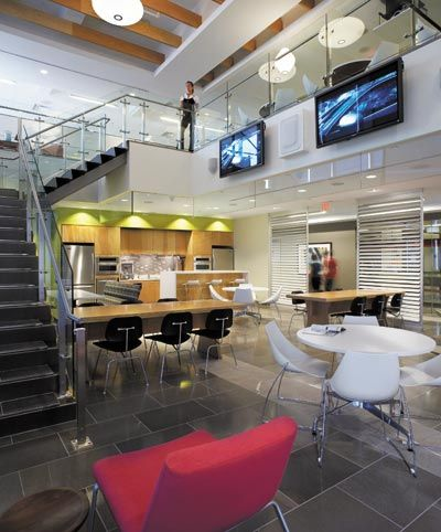 MediaCom's focal point is the bistro, a double-height space that serves as the communal hub.