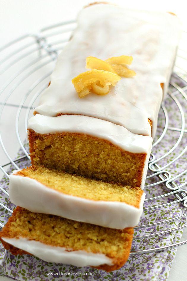 La Lemon pound cake, conosciuta anche come mattonella al limone, è un tipico dolce americano al sapore di limone che io adoro! Quando vado all'estero spesso mi piace fare colazione da Starbucks con una bella fetta di iced lemon pound cake ed ora grazie a Laurel Evans sono riuscita a farlo a ca