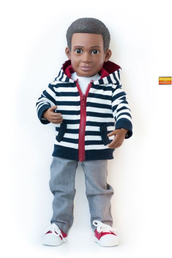 Action Doll avec joints articulés.  L'ami de Mason - aussi disponible bientôt et commande spéciale dès maintenant.