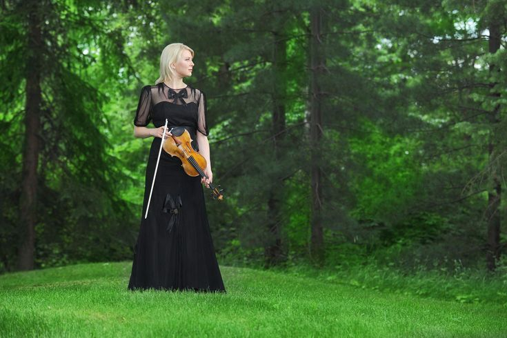 Violinist Elina Vähälä is one of the sought-after instrumentalists in the international music scene. One of the season highlights performances with the Sinfonia lahti and Okko Kamu at the Sibelius Festival 2011.