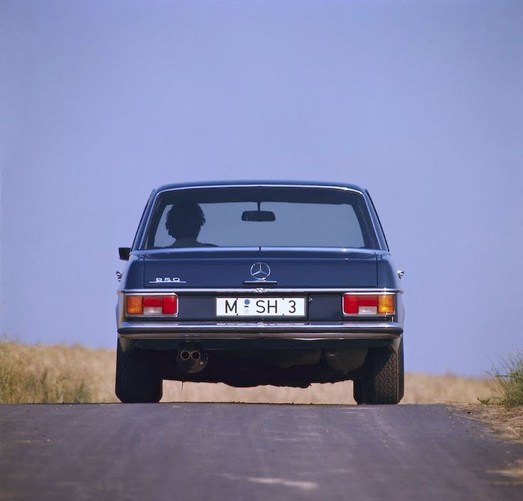 1970 Mercedes-Benz 250 AMG (W114) | Flickr - Photo Sharing!