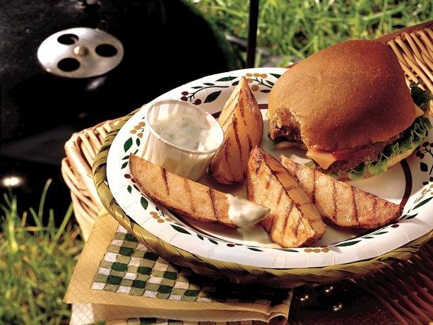 Grilled Buffalo Potato Wedges: Dinner, Cheesy Dip, Recipe, Potato Wedges, Food, Grilled Buffalo, Grilled Potatoes, Buffalo Potato, Irresistible Side