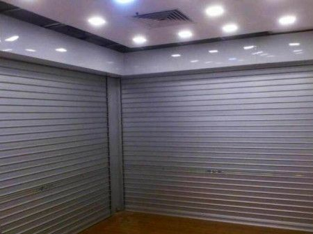 Manual Aluminium Roller Shutters With Removable Angle Mullion  http://www.chengxing.com.sg/gallery/manual-aluminium-roller-shutters-with-removable-angle-mullion