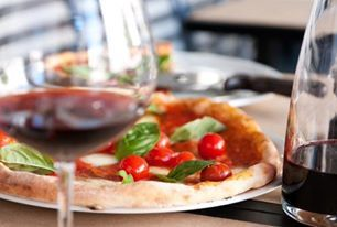 Pizza E Birra looking for Best destination for Pizza Delivery in St Kilda. We have great space in our restaurant so you can come here for enjoy get-together with your friends, family and relatives. Read More:- http://www.pizzaebirra.com.au/order-online.php