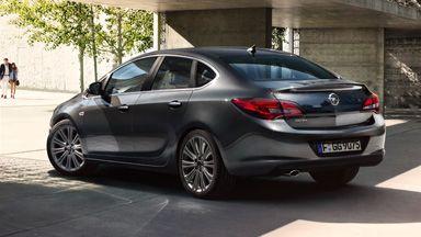 4 ajtós Opel Astra – Külső formatervezés